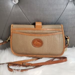 Dooney & Bourke crossbody tan/brown all leather